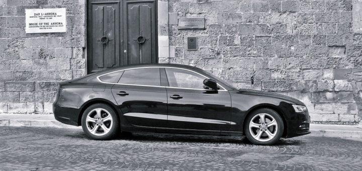 Wypożyczalnia samochodów luksusowych – o czym warto pamiętać?